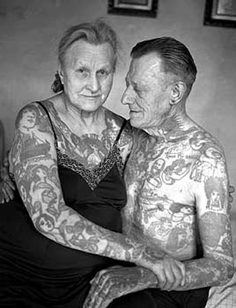 Старушка с тату фото